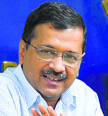 Kejriwal urges Centre to provide PPE kits