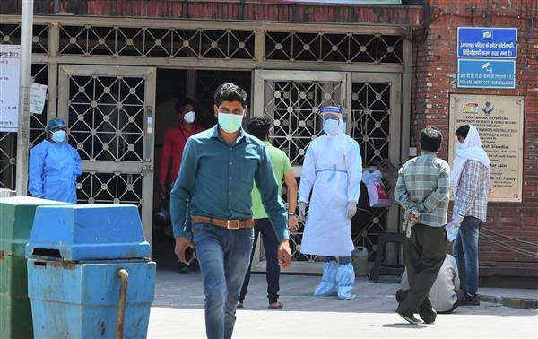 Quarantined man jumps off Delhi hospital building, breaks legs