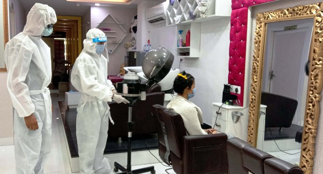 Token system to disposable towels: Chandigarh admn issues SOP for barber shops