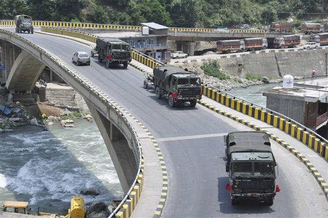 As stand-off continues, troops from other parts mobilized for Ladakh frontier
