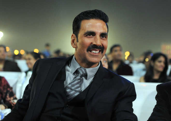 Minister says cops will look into Akshay's air trip to Nashik