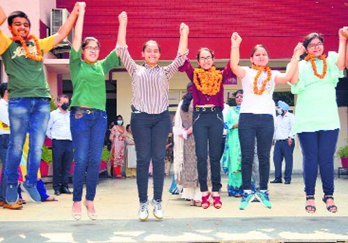 Jiya Lal Mittal School students bag top 3 ranks in Gurdaspur