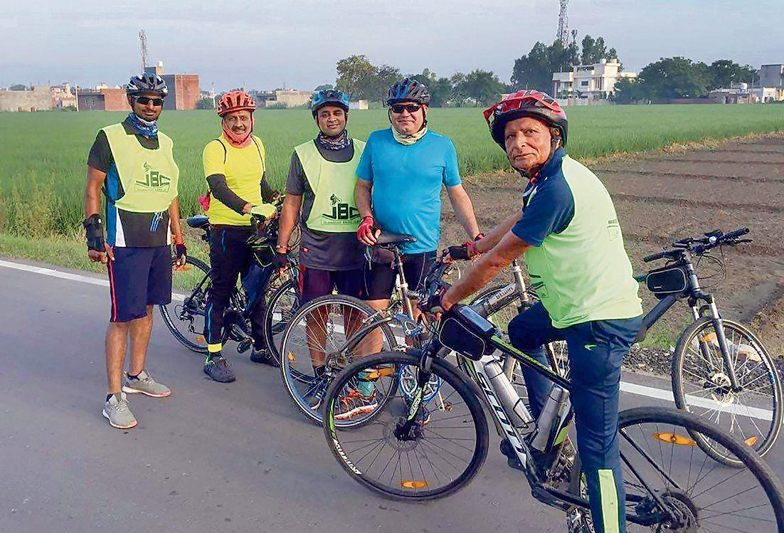 This septuagenarian pedals 100 km everyday to stay healthy