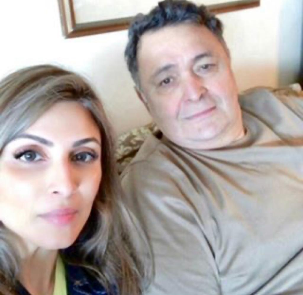 Riddhima Kapoor Sahni wears her late father Rishi Kapoor's watch, says 'dad is always with me'