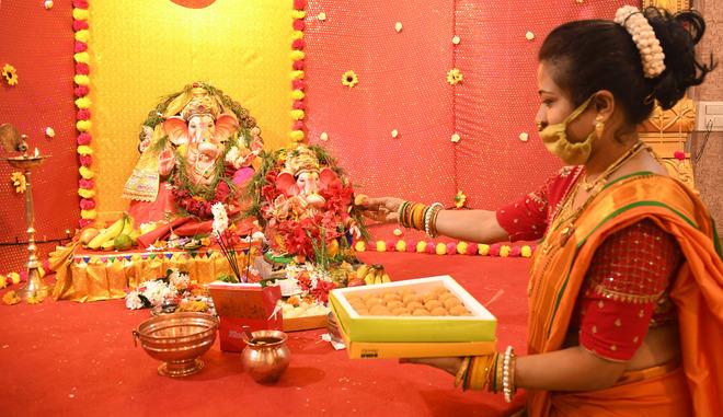 Lockdown dampens Ganesh Chaturthi celebrations