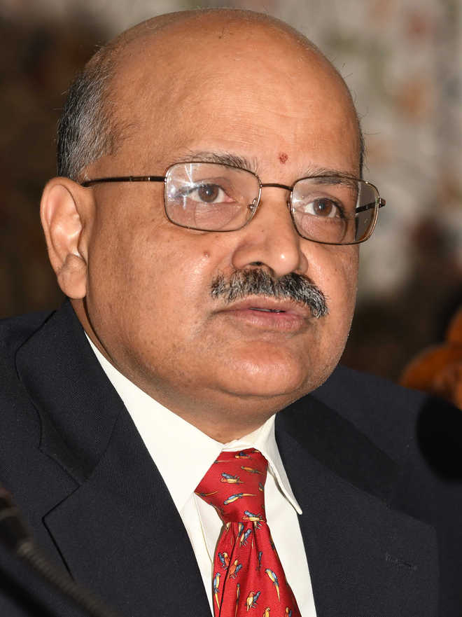 Row over J&K Chief Secretary's remark on politicians