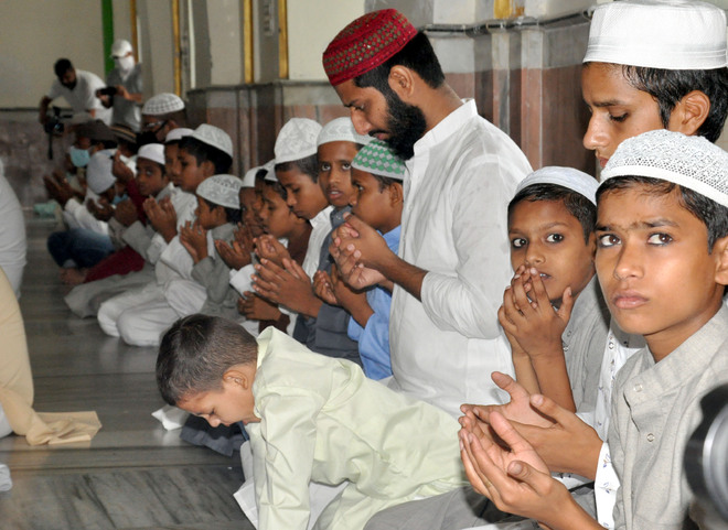 Eid al-Adha a low-key affair as religious leaders ask to perform prayers at home
