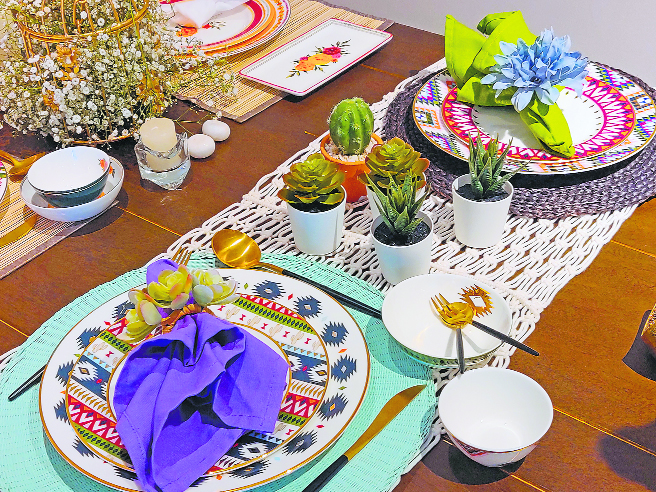 Give add a festive zing to your tables