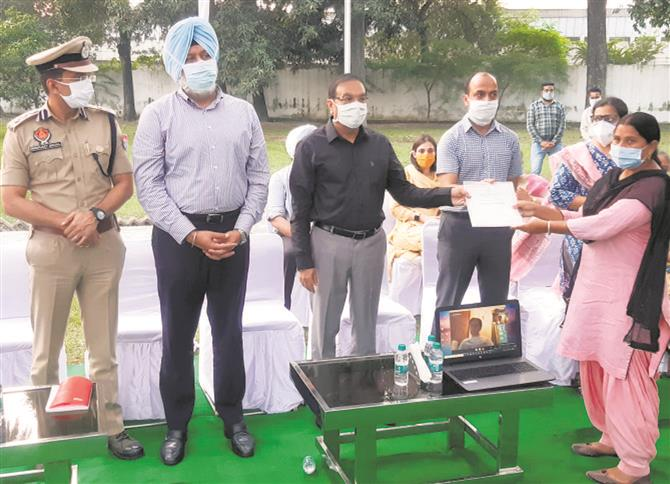 12 doctors, 24 paramedics honoured