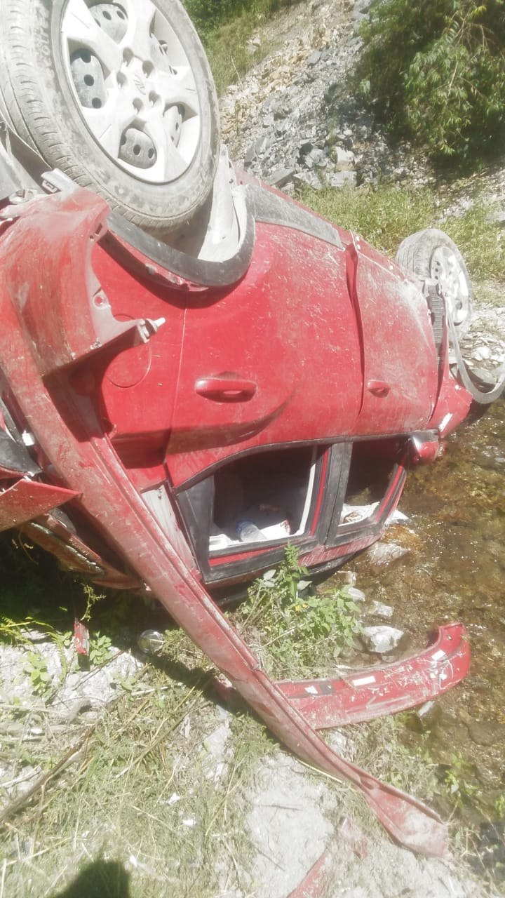 Four die as car falls into gorge in Himachal's Sadhupul