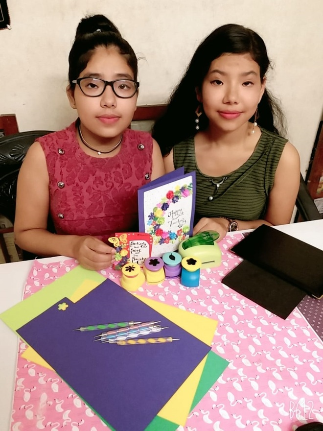 Cook's daughters take YouTube route to showcase their creativity