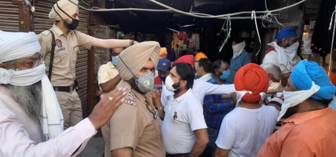 Amritsar Municipal Corporation razes illegal vend