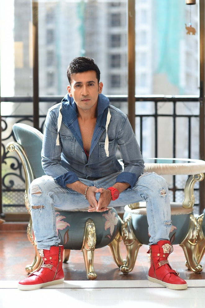 Harmeet Singh of Meet Bros., says it's a miracle that without any formal training he can sing and compose songs
