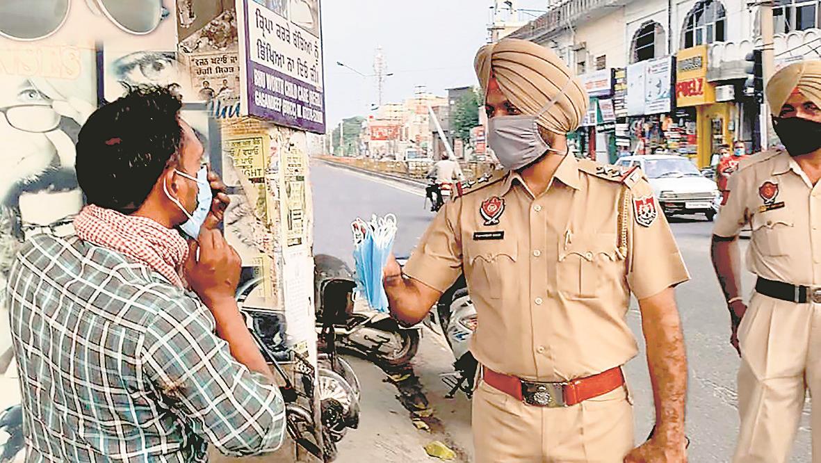 Coronavirus Punjab News: Captain Amarinder Singh asked to take people not wearing masks in public to the nearest RT-PCR testing centre.