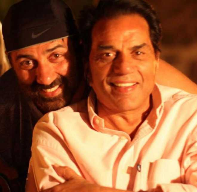 Dharmendra, Bobby and Sunny celebrate extra-special Lohri; Deols in one frame; see picture