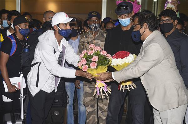 Red-carpet welcome for Rahane as victorious Indian team arrives home