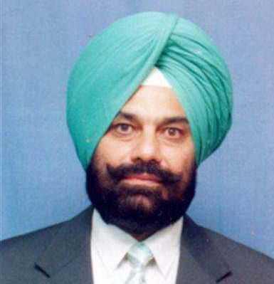 Minister Sukhbinder Singh Sarkaria faces protest over missing 'saroops'