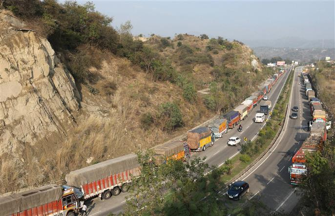 Jammu-Srinagar highway may take 10 days to become motorable