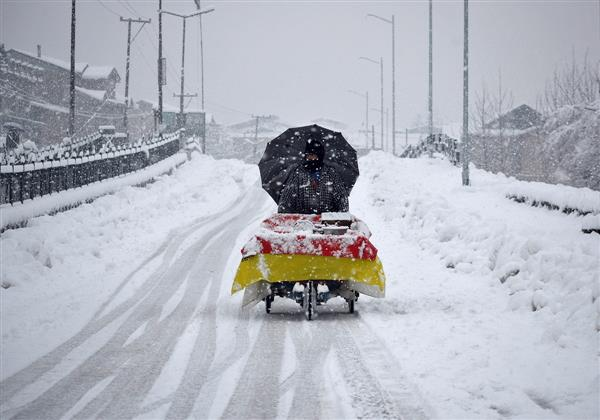 At minus 7.8 degrees Celsius, Srinagar records lowest temperature in 8 years