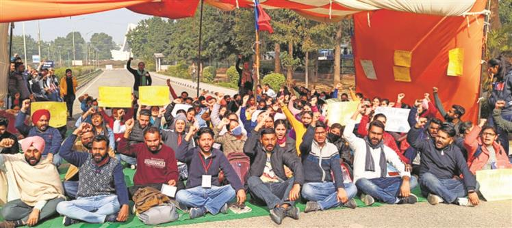 Punjabi University students await hostel allotment