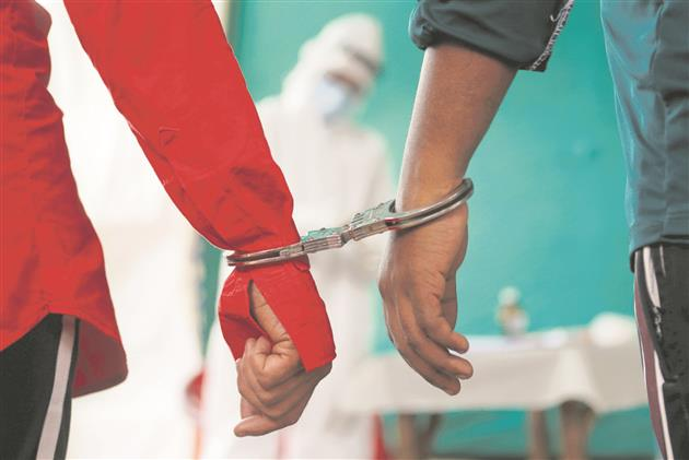 Clear up grey areas in handcuffing of prisoners