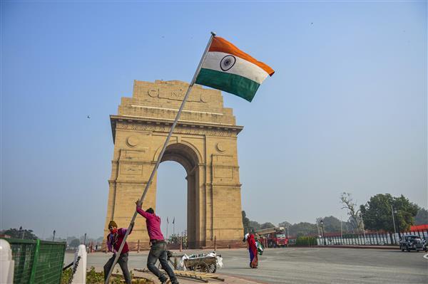 50 volunteers inducted to serve as 'eyes and ears' of Delhi Police at Sarojini Nagar market