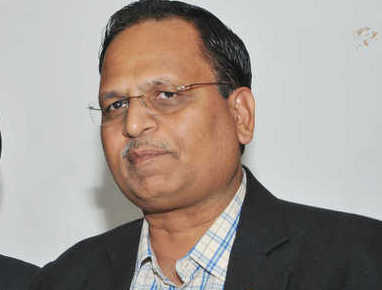 Satyendar Jain claims police prevented him, DJB chairman from supplying drinking water to protesting farmers