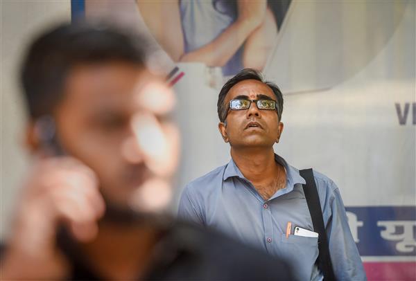 Sensex snaps 3-day winning streak; M&M soars 6 per cent