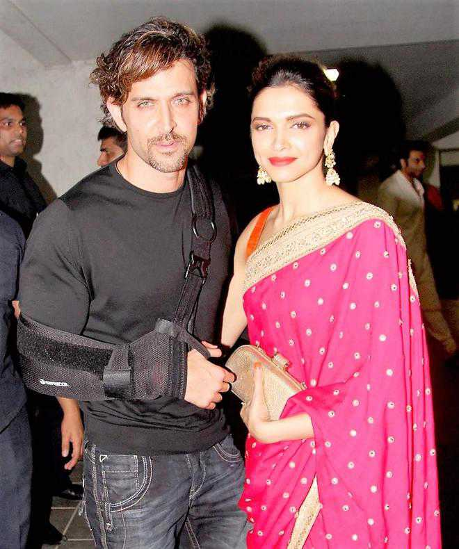 Hrithik Roshan, Deepika Padukone team up for Siddharth Anand's 'Fighter'