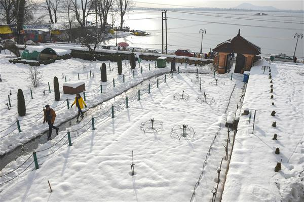 Heavy snowfall declared as state specific natural calamity under SDRF in J&K