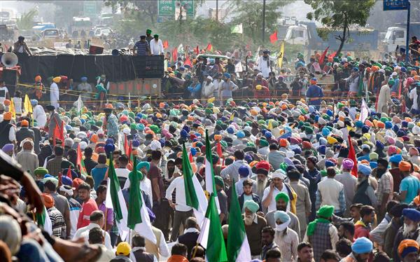 Farmer unions hold meeting to reconsider govt proposal to put farm laws on hold
