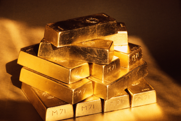 Gold plunges Rs614, silver tanks Rs1,609