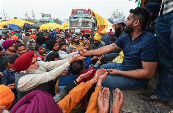Farmers' protest: Man poisons himself at Singhu border