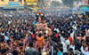 5,000 people receive bowling hero Natarajan, take him on chariot