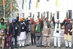 Farmers threaten to intensify agitation as 11th round of talks hits roadblock