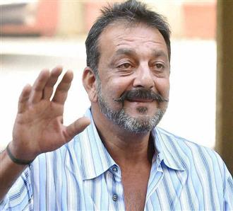 Sanjay Dutt digs out monochrom picture from 'LOC: Kargil' sets on Army Day