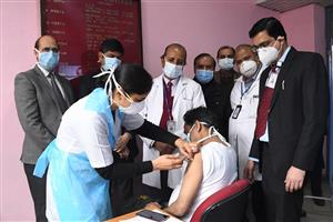 374 beneficiaries inoculated on Day 1 of Covid-19 vaccination drive in Chandigarh