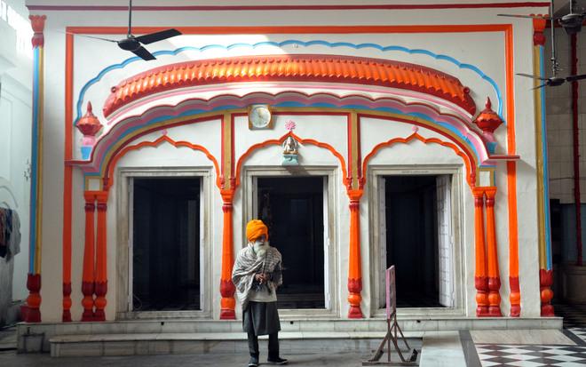 Dens of  belief: Akharas of Amritsar