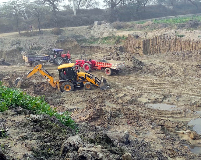No check on illegal sand mining at Modhe village
