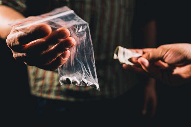 Man held with 500-gm heroin