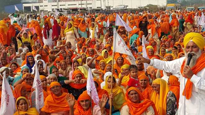 Women add the X-factor to farmers' protest