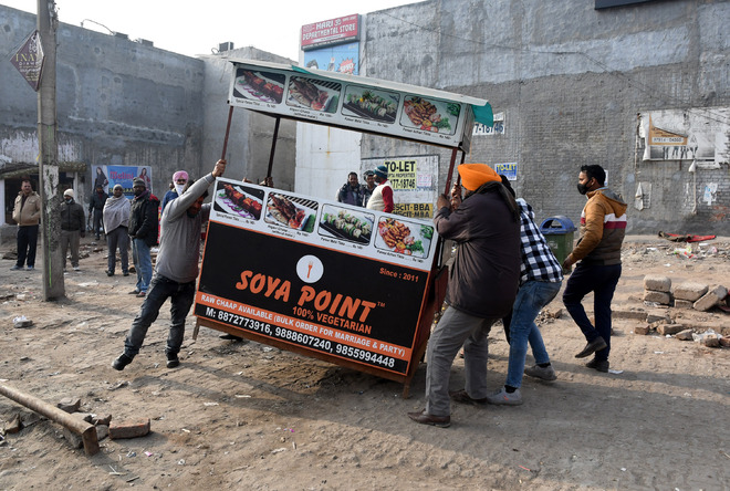 Vendors in Panchkula see red in HSVP's anti-encroachment drive