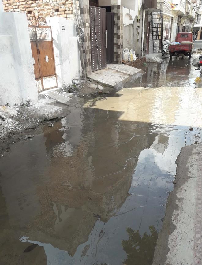Sewage water overflowing in Sonepat