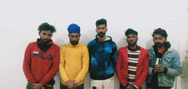 Gang of robbers busted, 5 held