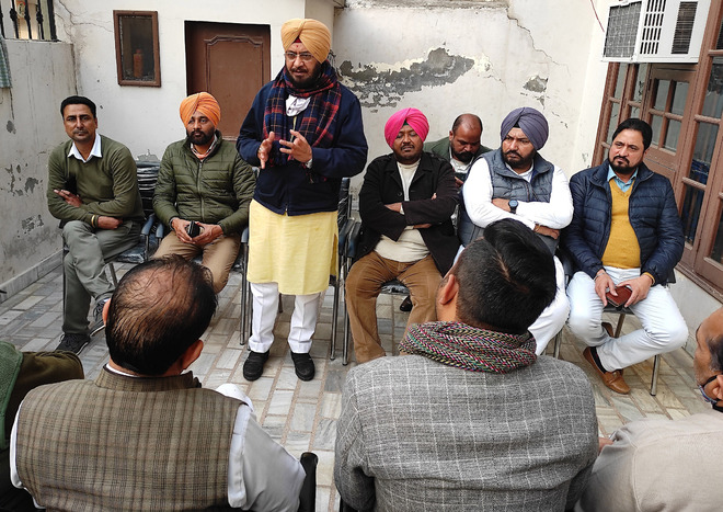 Choose candidates with clean image: Cong leaders