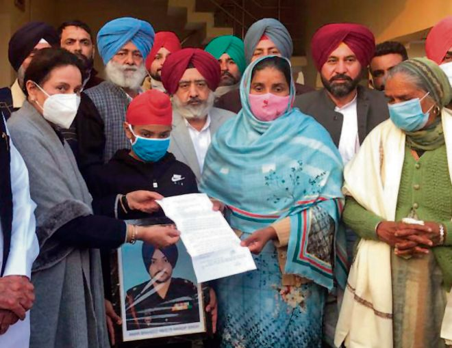 MP hands over appointment letter to Galwan martyr's wife