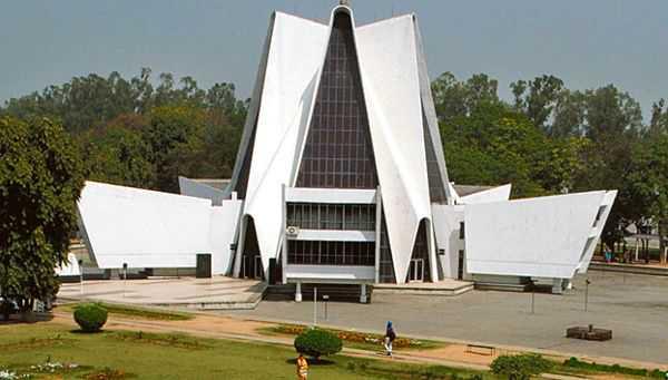 Protesters lay siege to Punjabi University campus