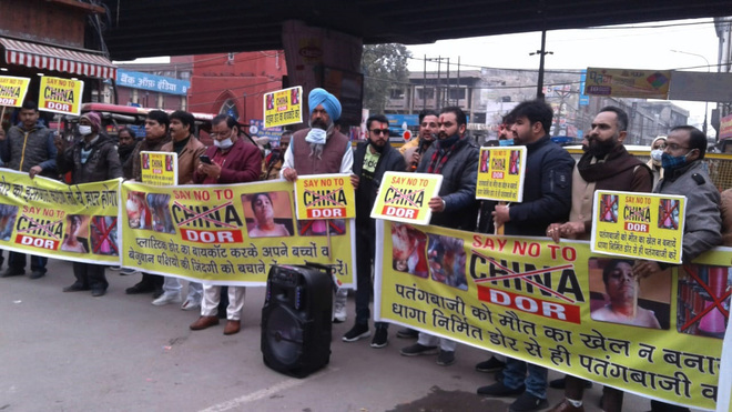 Residents hold rally against banned Chinese string