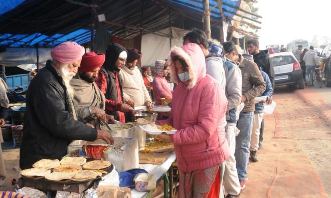 Karnal villages do their bit for langar sewa on NH-44