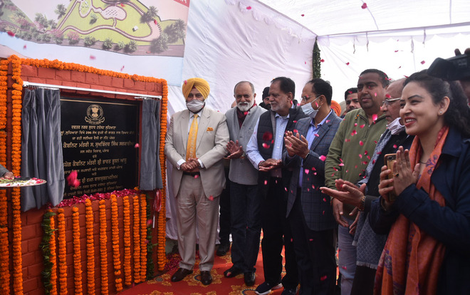 Minister lays stone of leisure valley near Buddha Nullah in Haibowal